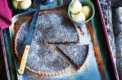 Treacle toffee tart