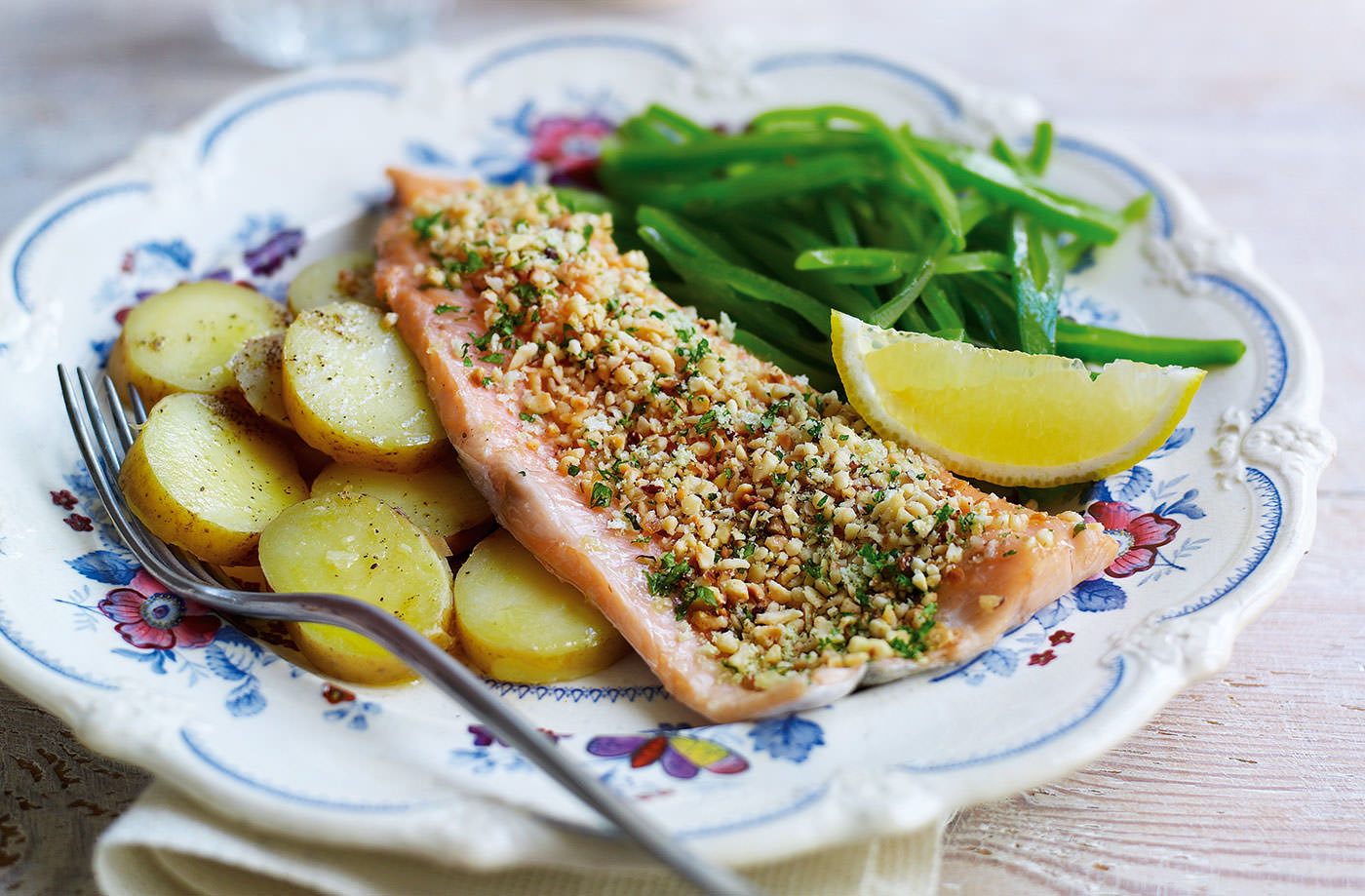 Trout fillets with a hazelnut crust recipe