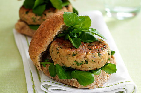 Tuna burger with watercress HERO
