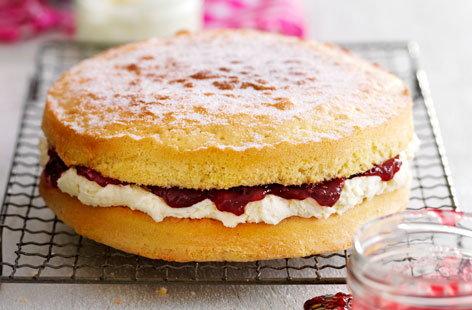 Victoria Sponge | Sponge Cake Recipe | Tesco Real Food