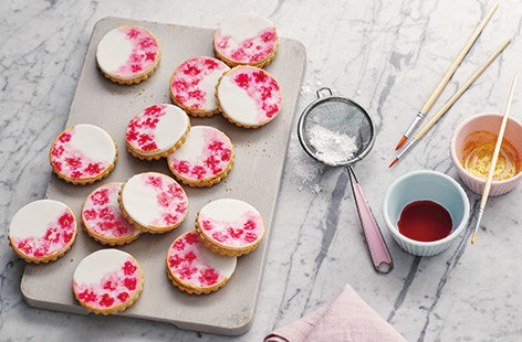 How to make watercolour biscuits