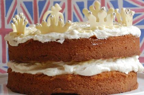 Elderflower and White Chocolate Crown Cake