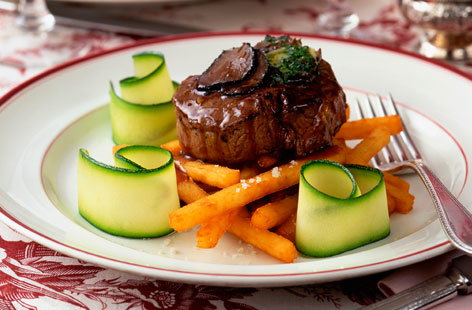 beef fillet with red wine sauce (h)