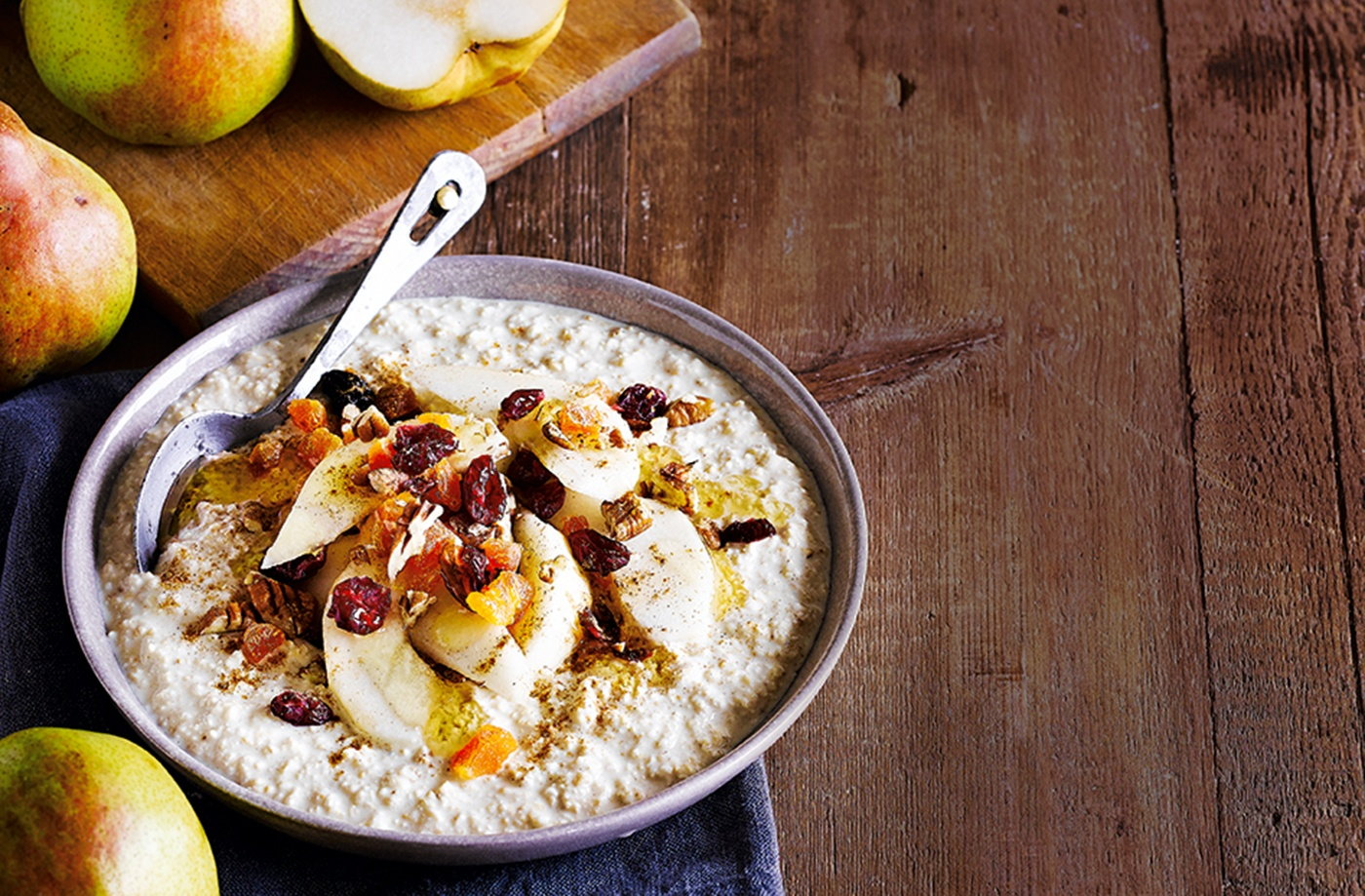 Bircher muesli with pears, maple syrup and cinnamon recipe