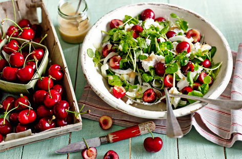 Cherry, goat's cheese and fennel salad