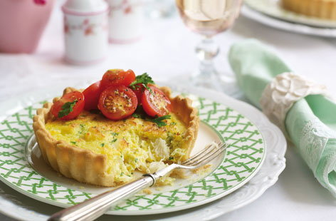 Crab and saffron tarts
