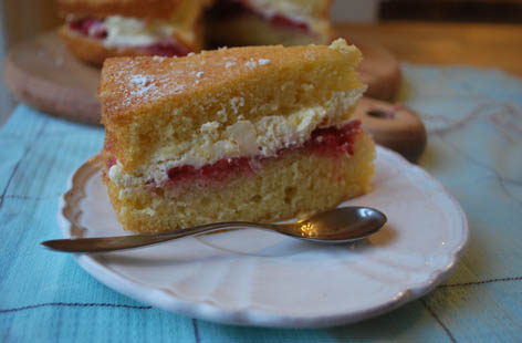 devon cream tea victoria sponge