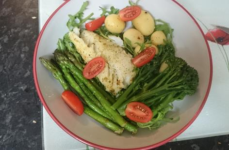 Griddled Fish with seasoning and Vegetables