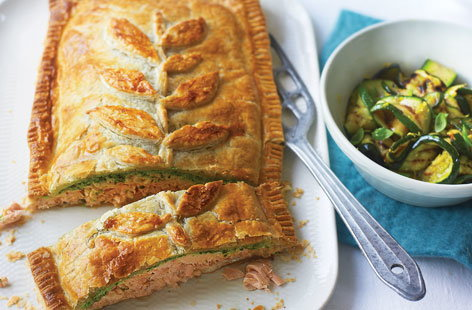 Salmon en croute with watercress | Tesco Real Food