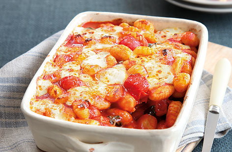 Gnocchi bake with tomatoes, basil and mozzarella