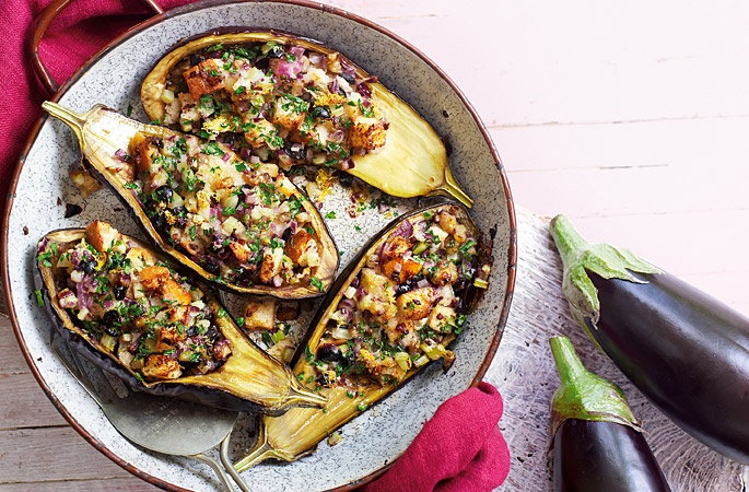 Baked aubergines with olives and breadcrumbs recipe