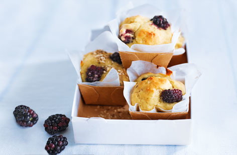 Blackberry and apple muffins recipe