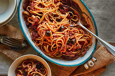 One-pot linguine with olives