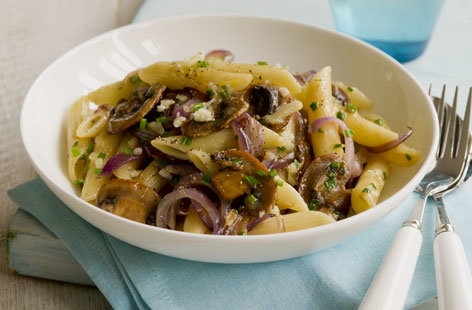 penne with red onions hero