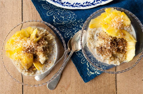Coconut quinoa pudding with syrup THUMB