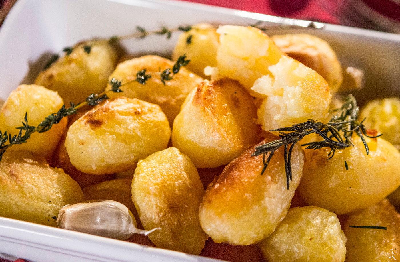 Best ever roast potatoes tesco real food best ever roast potatoes recipe sisterspd