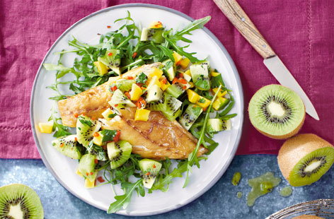 Smoked mackerel with kiwi salsa