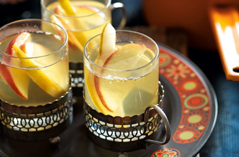 spiced wine apple pear punch(t)
