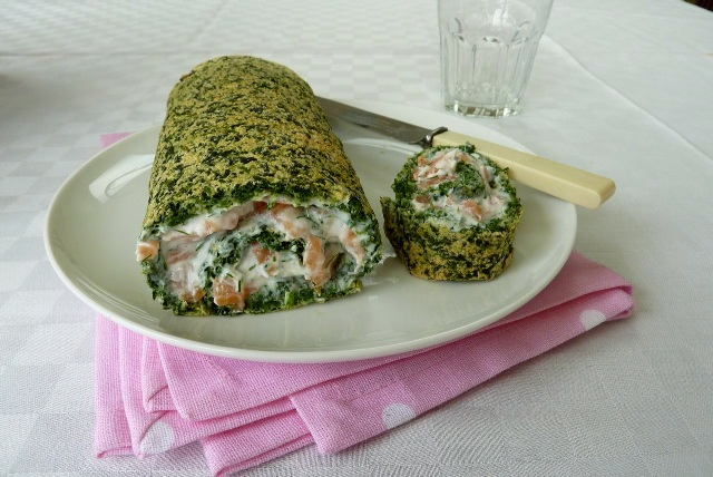 Spinach roulade with smoked salmon tesco real food for Smoked salmon roulade canape