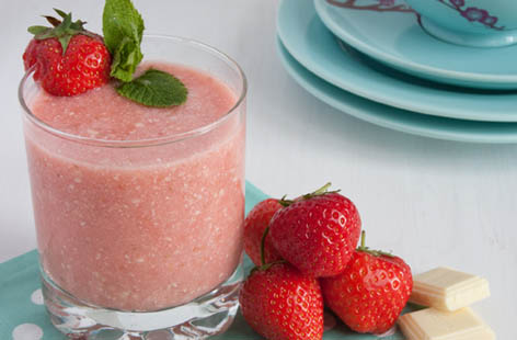 strawberry and white chocolate smoothie 1