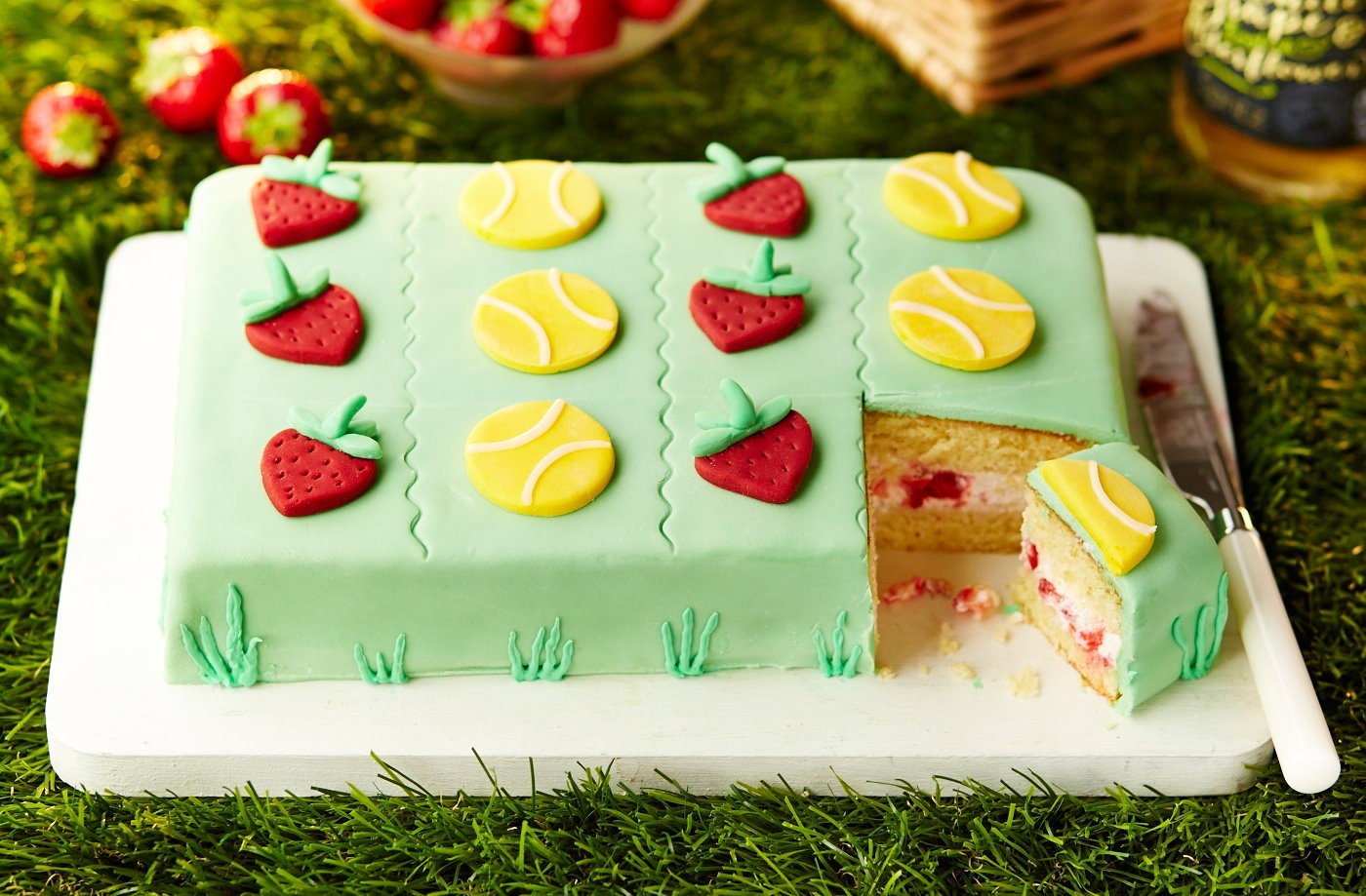 Wimbledon strawberry cake recipe